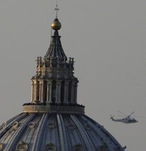 Papa Benedetto in volo da Roma a Castelgandolfo (l'elicottero è passato sopra casa mia, ma non l'ho potuto vedere) dans immagini varie 182244499-0832d082-8942-46ad-9e73-536d87e5e442-290x300