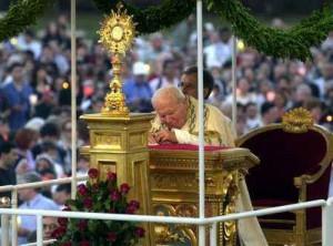 Giovanni Paolo II, processione del Corpus Domini, 2001